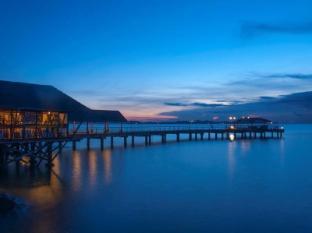 Batam View Beach Resort Batam Island - Kelong Restaurant