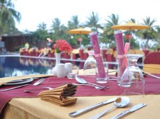 Batam View Beach Resort Batam Island - Dining Set Up