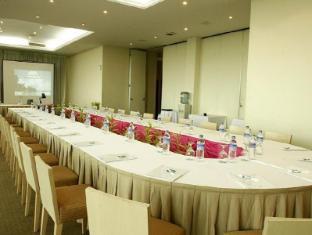 Batam View Beach Resort Batam Island - Bunga Mawar - Meeting Room