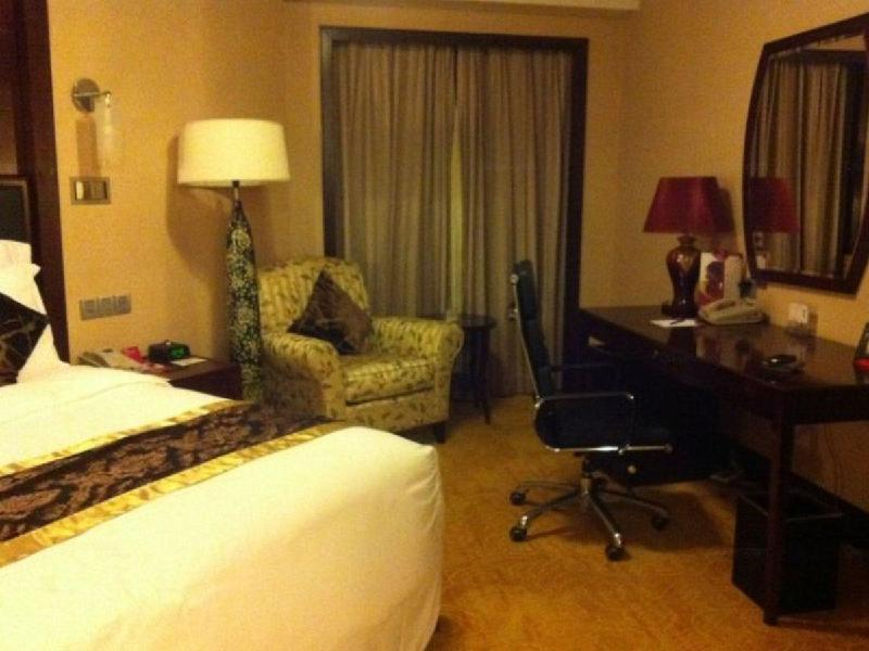 1 King Bed Presidential Suite Smoking