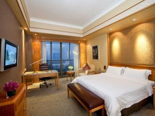 1 King Bed Delux Garden View Nonsmoking