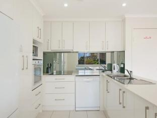 Chidori Court Apartments Gold Coast - Kitchen