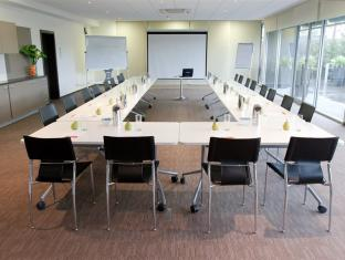 Punthill Apartment Hotels Knox Melbourne - Meeting Room