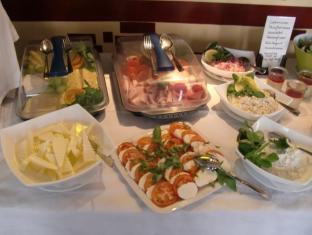 Pension Freiraum Berlin - brunch buffet