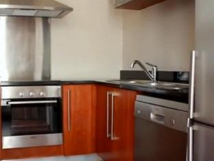 Circa Luxury Apartment Hotel Cape Town - Kitchen