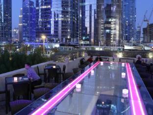 Bonnington Jumeirah Lakes Towers Hotel Dubai - Healey's Terrace