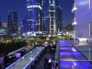 Bonnington Jumeirah Lakes Towers Hotel Dubai - Healey's Bar & Terrace