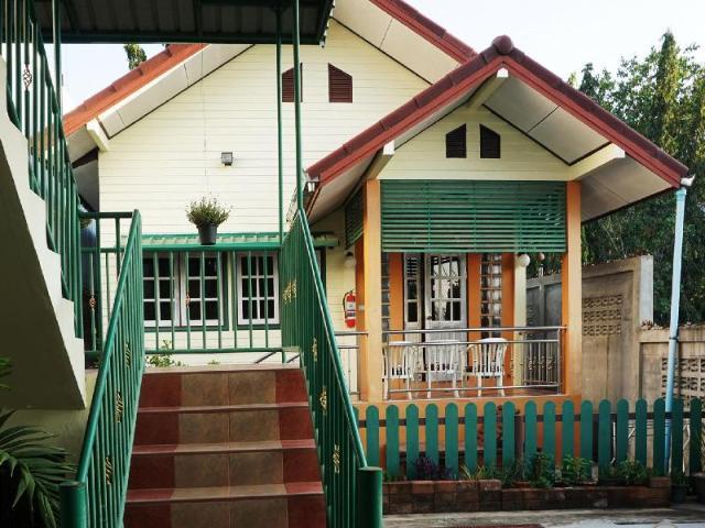บ้านสุขิตา หาดบ้านอำเภอ – Baan Sukhita