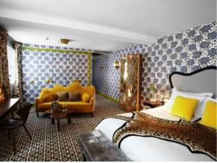 Hotel Thoumieux Paris - Guest Room