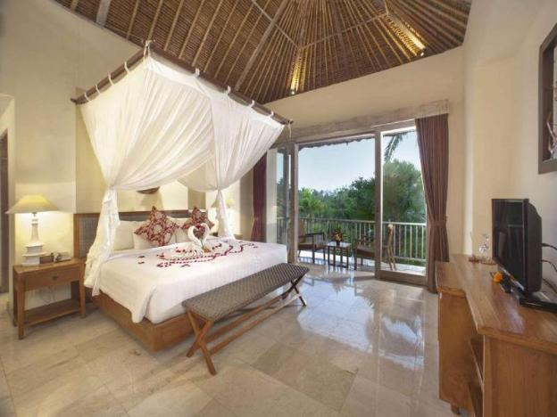 1 BR Suite with Terrace + Free Breakfast W/Friendly Staff