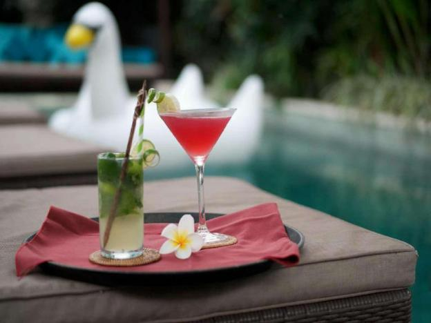 Premium 3BR Villa W/Infinity Pool, Kitchen, Bfast