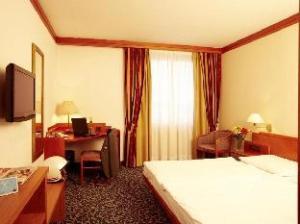 โรงแรม อาเรนาซิตี้ (Arena City Hotel)