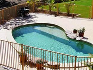 Red Bridge Motor Inn Sunshine Coast - Swimming Pool