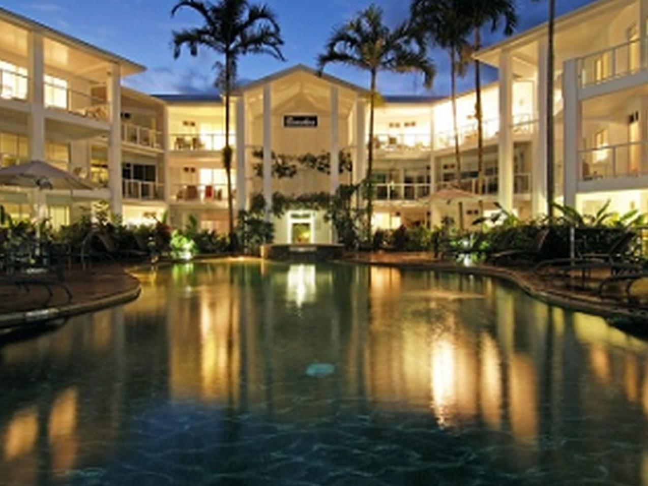 Beaches Port Douglas Apartments