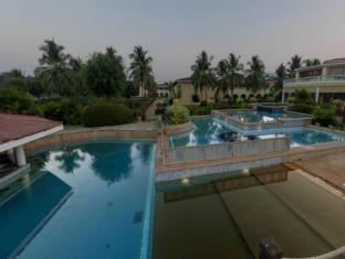 The LaLiT Golf & Spa Resort Goa Goa Sud - Piscina