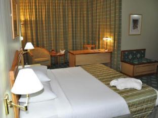 Grand Continental Flamingo Hotel Abu Dhabi - Executive Suite