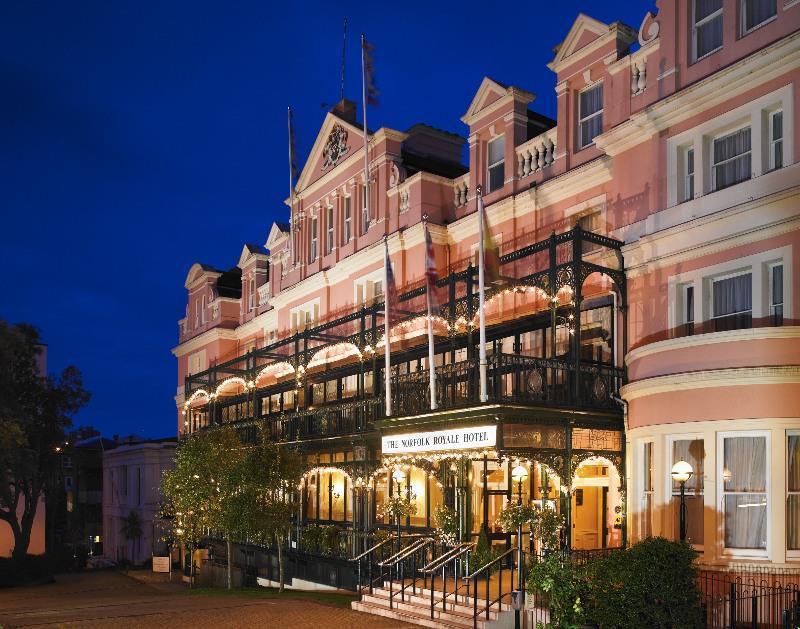 Norfolk Royale Hotel
