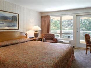 Ramada Limited Richmond (BC) - Guest Room