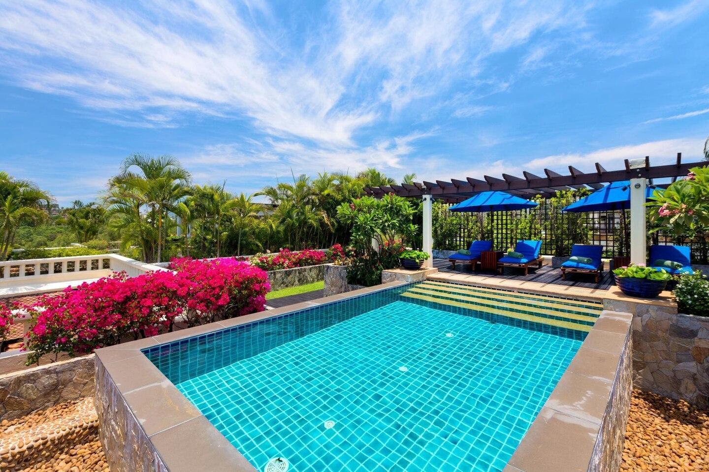 Kanika Residence Private pool top floor near beach