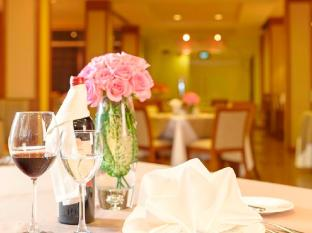 Catina Saigon Hotel Ho Chi Minh City - Food in restaurant