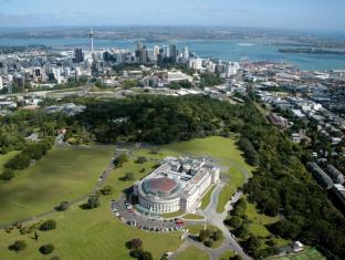 Base Auckland Auckland - Nearby Attraction