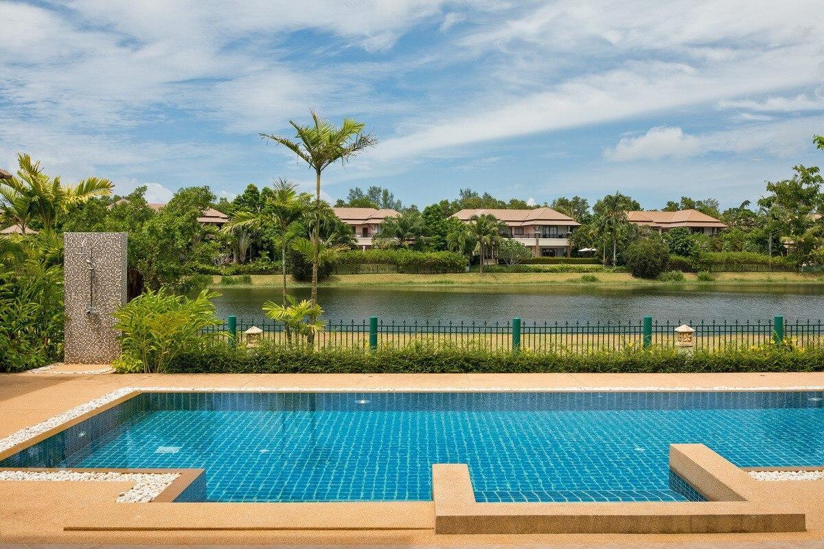 Four Bedroom Brand new villa at Laguna beach