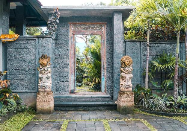Gandhiwa Guest House