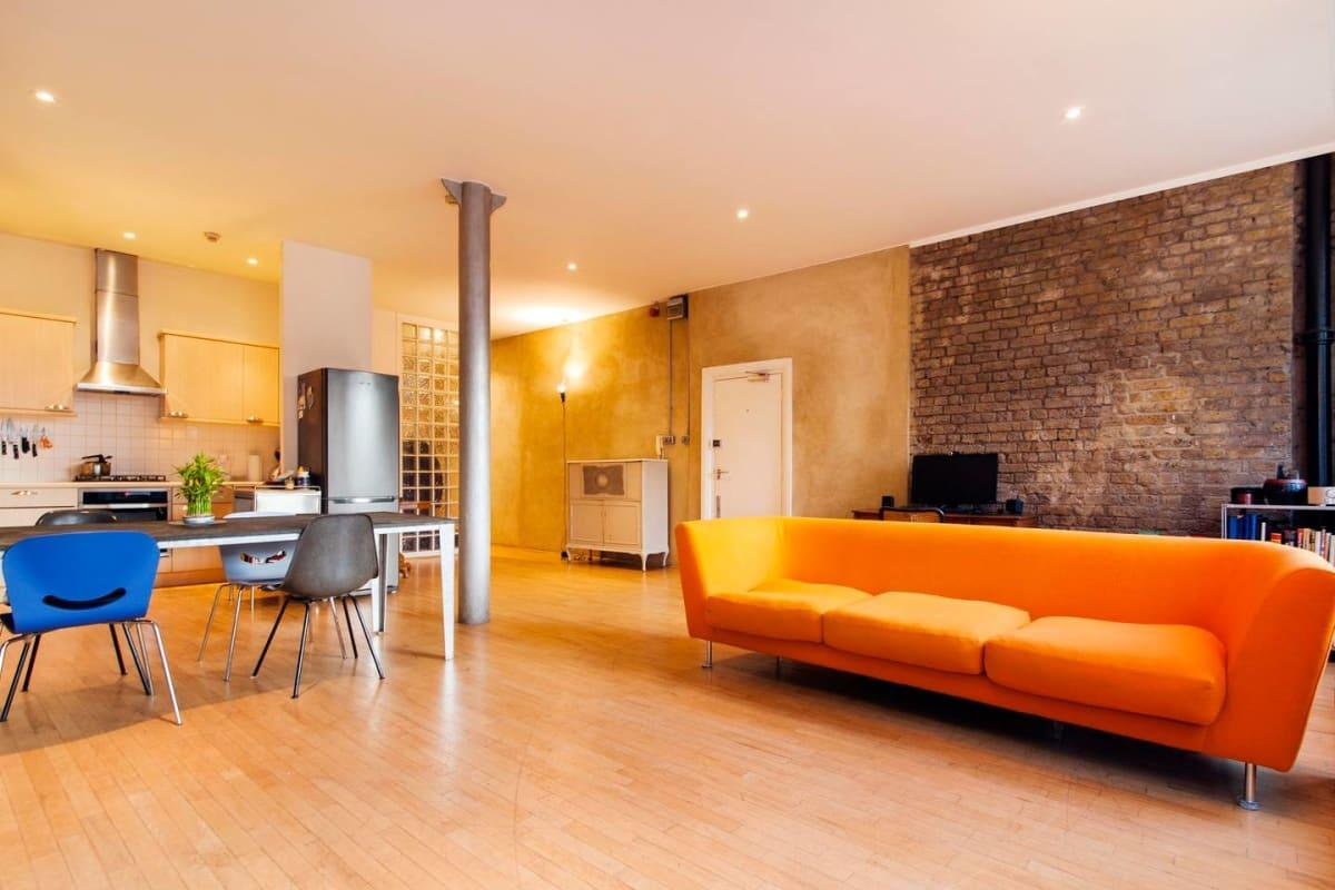 Bright and modern apartment in the heart of London