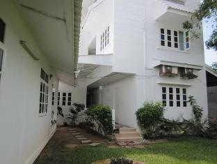 Na Na Chart Phuket Пукет - Градина