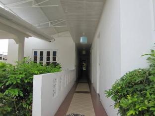 Na Na Chart Phuket Пукет - Интериор на хотела