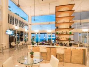 Flamingo Hotel by the Beach Penang - Flamingo Theque - Island Bar
