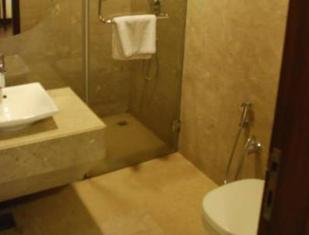 Apartment 52 Hotel New Delhi and NCR - Bathroom