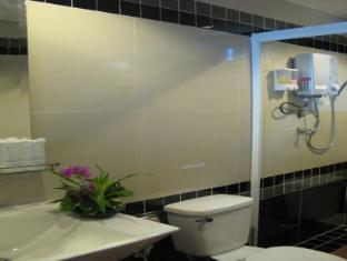 รายาบุรี รีสอร์ท ศรีสวัสดิ์ (กาญจนบุรี) - ห้องน้ำ