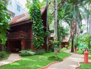 Royal Phawadee Village Patong Beach Hotel Phuket - Exterior