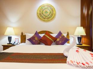 Royal Phawadee Village Patong Beach Hotel Phuket - Deluxe Suite