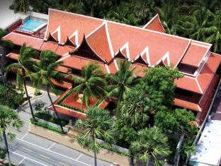 Royal Phawadee Village Patong Beach Hotel Phuket - Hotellin ulkopuoli
