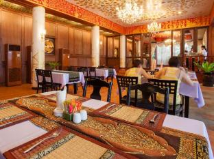 Royal Phawadee Village Patong Beach Hotel Phuket - Restaurant