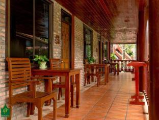 Royal Phawadee Village Patong Beach Hotel Phuket - Balkong/terrass