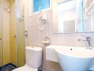Tune Hotel - LCCT Kuala Lumpur - Toilet