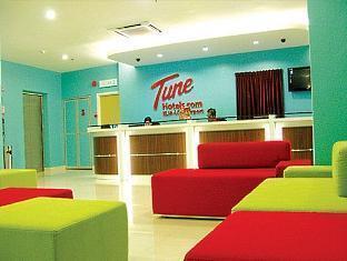 Tune Hotel - LCCT Kuala Lumpur - Reception