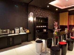 Glitz Hotel Bangkok - Food and Beverages