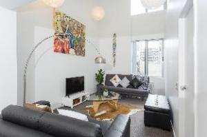 Central & Stylish 2 Bed Apartment