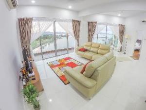 Luxury Condominium @ Loft