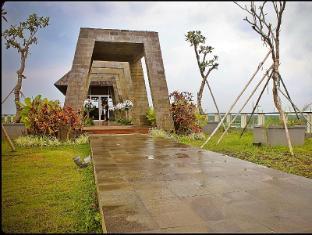 Harrads Hotel and Spa Bali - Rooftop chapel