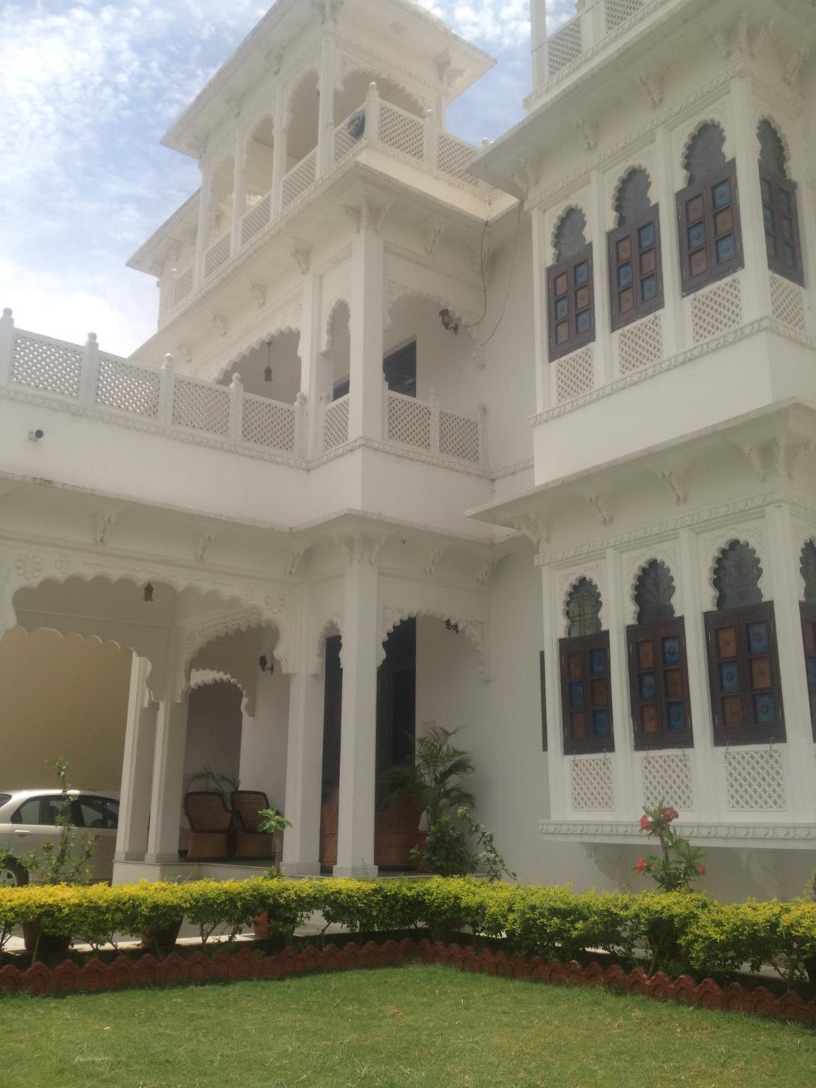 Royal Heritage Villa HomeStay