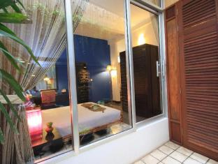 Frangipani Villa-60s Hotel Phnom Penh - Suite Room