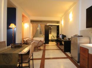 Frangipani Villa-60s Hotel Phnom Penh - Living Area