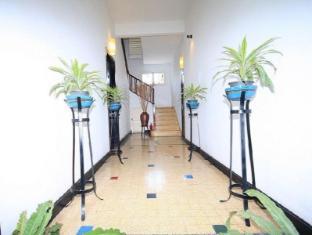 Frangipani Villa-60s Hotel Phnom Penh - Hallway