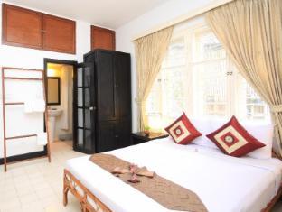 Frangipani Villa-60s Hotel Phnom Penh - Deluxe Double