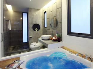 Surintra Resort Phuket - Grand View Deluxe Jacuzzi